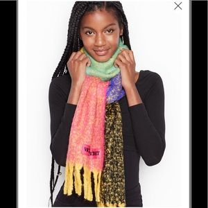 NWT Victoria's Secret Plush Colorblock Scarf